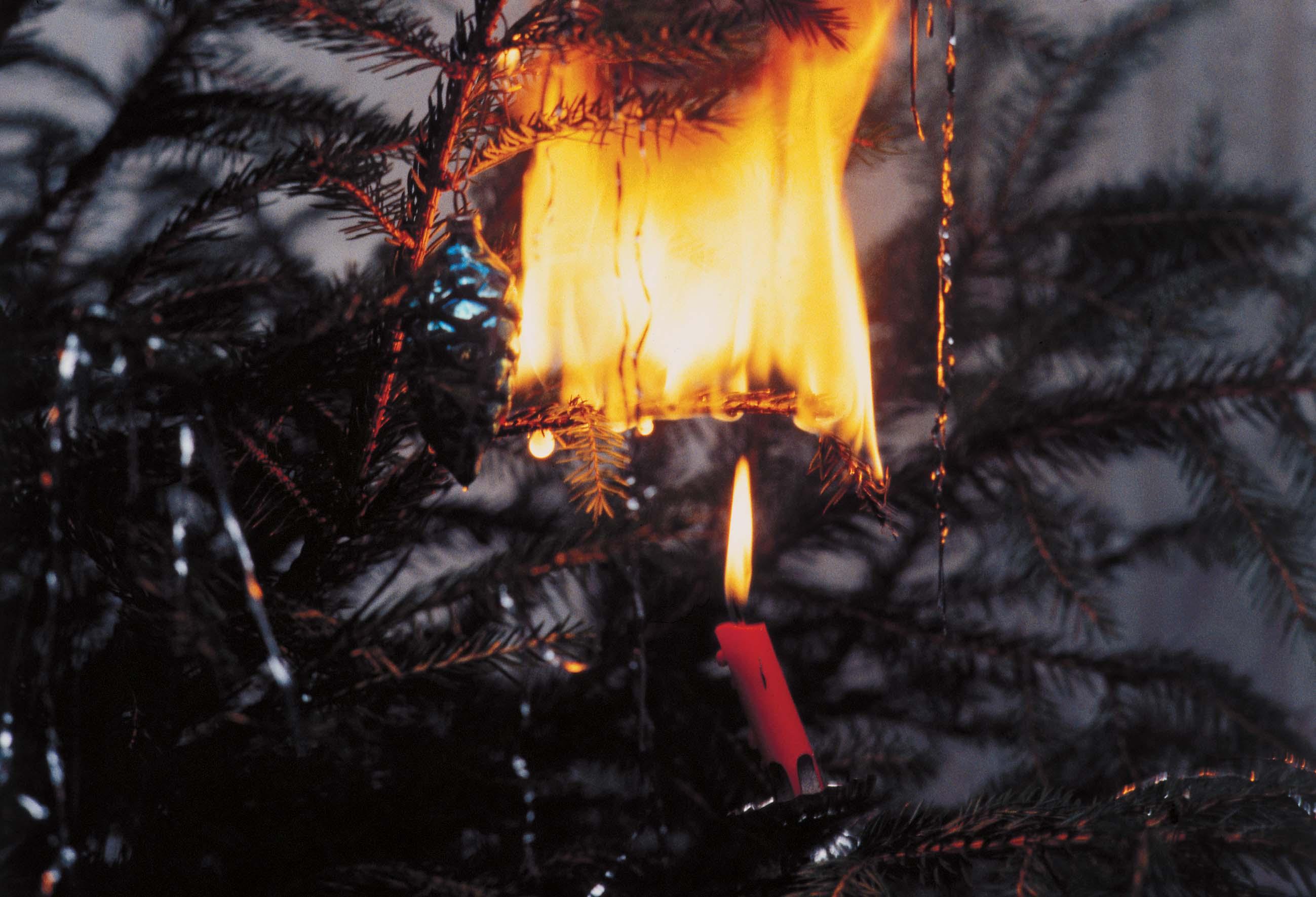 Brandgefahr - Kerzenhalter fa r weihnachtsbaum ...